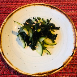Seaweed and cucumber salad