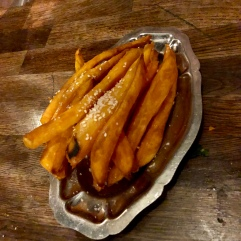 Sweet potatoes fries with sesame seeds £3.5